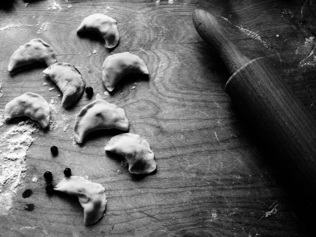 pierogi z farszem z koziego sera