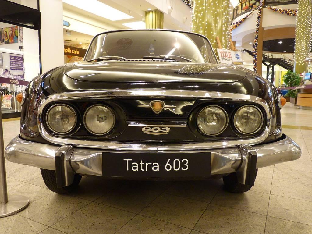 "Tatra_2-603_II_during_""XXX_lat_motoryzacji_PRL""_exhibition_at_Bonarka_City_Center_in_Kraków_2"