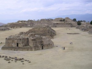 Monte_Albán_archeological_site,_Oaxaca
