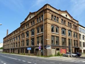 Warszawa_-_fabryka_lamp_i_fabryka_chemiczna_Praga-840x630