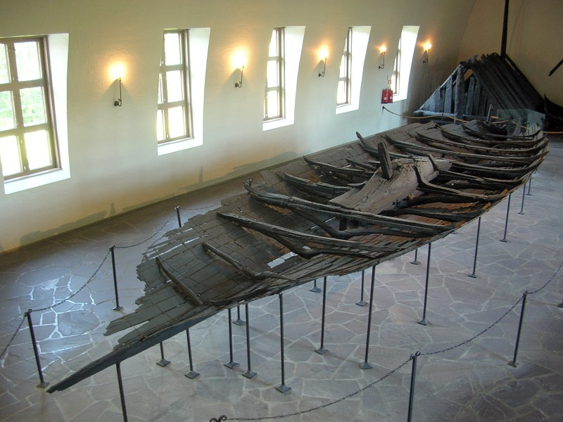 Exhibition_in_Viking_Ship_Museum,_Oslo_02