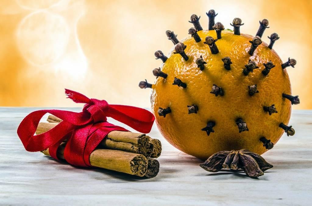 pomarańcza z przyprawami korzennymi