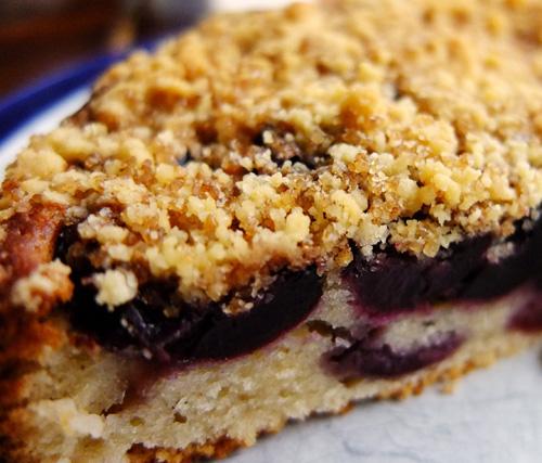Cherry-Crumble-Cake