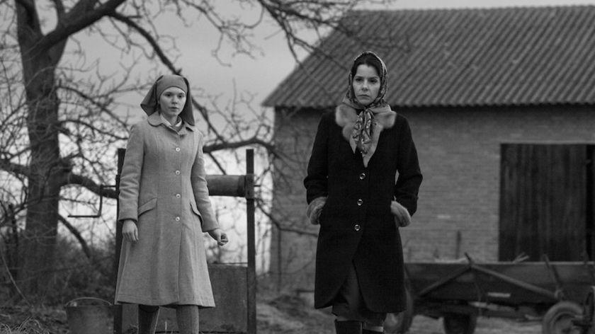 Ida wyrusza ze swoją ciotką aby poznać rodzinę