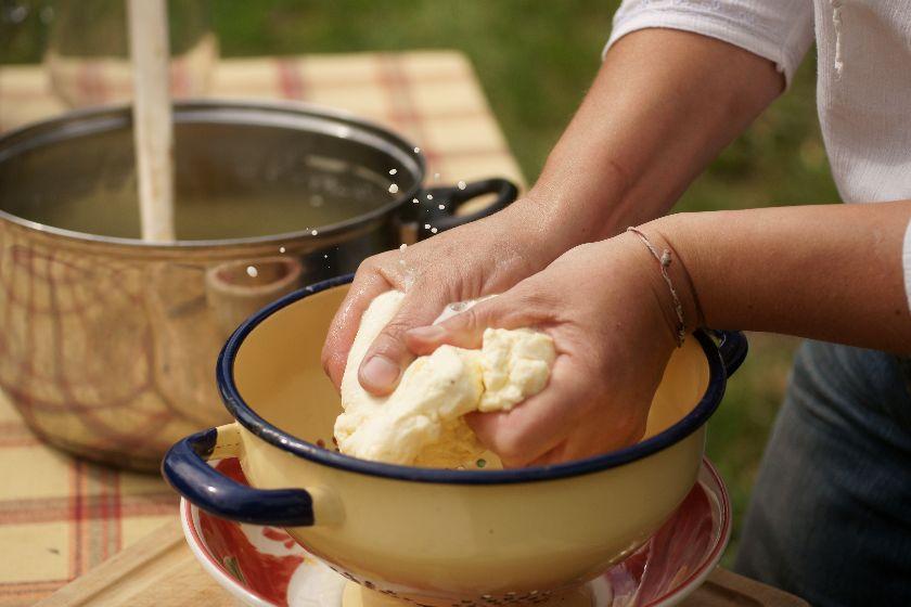 Aby zrobić ser należy mieć dobre mleko
