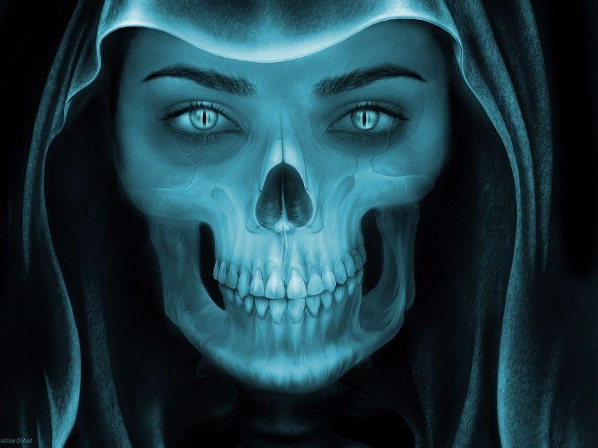 straszliwy demon o kobiecych rysach twarzy wpatruje się w ciebie, źródło: pixabay.com