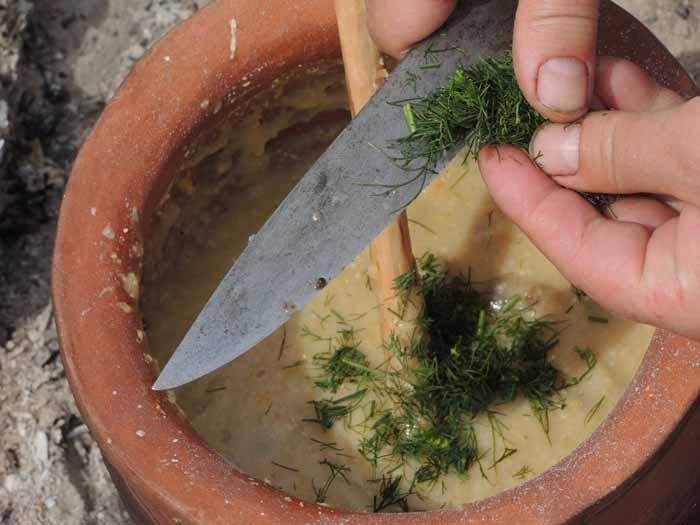 polewka grochowa z pasternakiem